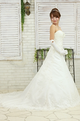 SWB BRIDAL SALON TIARA 写真画像