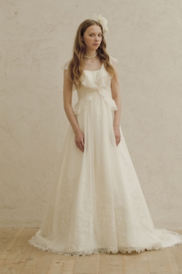 1053 WEDDINGDRESS KUROE 写真画像