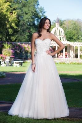 d415f031b2b18 Aラインのウエディングドレス一覧 BRIDESウエディングドレス