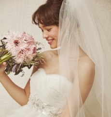 WEDDINGDRESS KUROE 写真画像